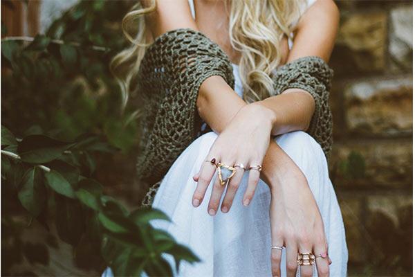 ทริคใส่แหวนอย่างไรเสริมดวงให้ปังประจำวันเกิดของคุณ ดูดวง ไพ่ยิปซี ดูดวงรายเดือน ดูดวงความรัก เลขเด็ดหวยดัง