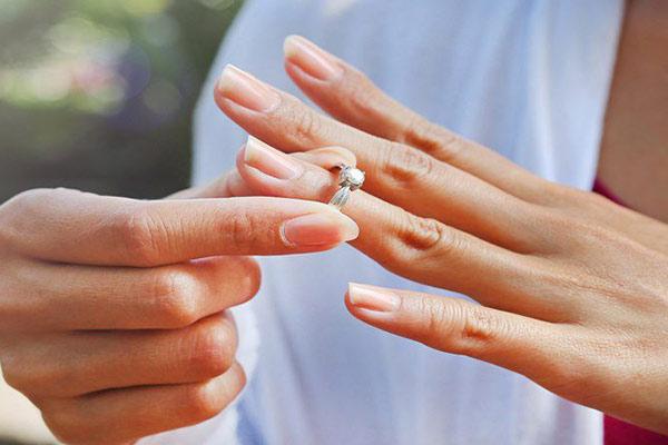 ความหมายของแหวนบนแต่ละนิ้ว ดูดวง ไพ่ยิปซี ดูดวงรายเดือน ดูดวงความรัก เลขเด็ดหวยดัง